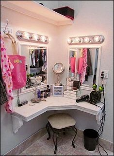 You'll love this light and bright, built in vanity and dressing area in master closet, girls bedroom, or bathroom. Bedroom Themes, Girls Bedroom, Bedroom Decor, Bedroom Ideas, Bedroom Designs, Bedroom Styles, Girl Rooms, Decor Room, Built In Vanity