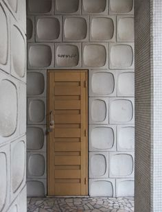 EDIFICIO PARNASO, PORTO.  Check out the old television-shaped panels.