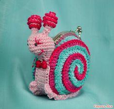 Кошелёк-игрушка с фермуаром Crochet Wallet, Crochet Coin Purse, Crochet Purses, Crochet Earrings, Crochet Snail, Love Crochet, Crochet For Kids, Crochet Toys, Kids Purse