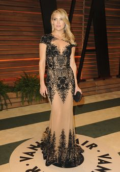 Kate Hudson turned heads in her gown at the Vanity Fair Oscars party