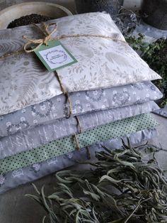 PASTU domov: Bylinné polštářky Gift Wrapping, Gift Wrapping Paper, Wrapping Gifts, Gift Packaging