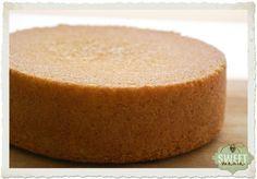 Sweet Mania: Bizcocho básico (Ideal para tartas) Cupcake Recipes, Cupcake Cakes, Vanilla Sponge Cake, Biscuit Cake, Just Cakes, Creme Brulee, Four, Creative Food, Let Them Eat Cake
