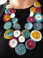 materiais: feltro em várias cores agulha linha botões coloridos tesoura cola para feltro (pode ser cola para ...