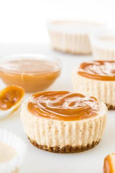 Irresistibly smooth and creamy, these chai latte no-bake mini cheesecakes are perfect indulgence on gloomy fall days. Especially delicious with creamy caramel dip and sea salt!
