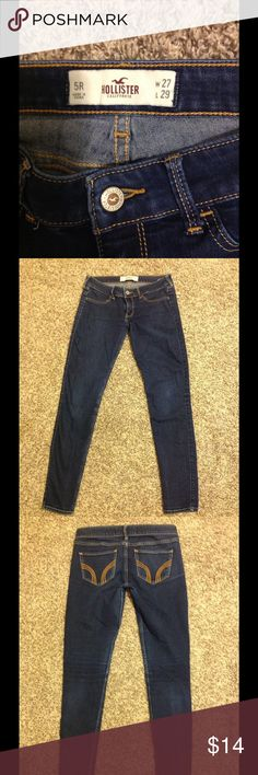 Straight leg hollister jeans Dark wash no stains, in like new condition comfortable fit Hollister Pants Straight Leg