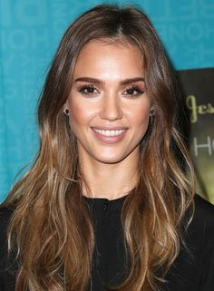 Highlighted-Layered-Waves-with-Off-Center-Part