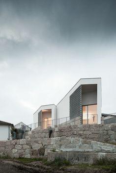 Mortuary House in Vila Caiz|Raul Sousa Cardoso + Graca Vaz