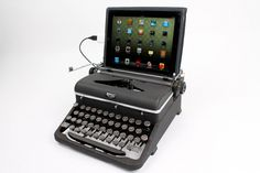 USB Typewriter Computer Keyboard Royal by usbtypewriter on Etsy-modified antique works for PC, Mac or iPad. Usb, Antique Typewriter, Royal Typewriter, Best Phone, Ipad Tablet, Cool Gadgets, Computer Keyboard, Cool Things To Buy, Royals