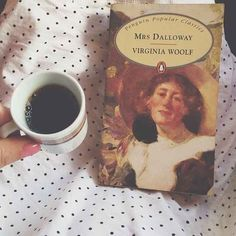 Jessica Testa : Mrs. Dalloway by Virginia Woolf | 12 Books That Made You Fall In Love With Reading