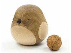 Objeto de decoração de madeira reutilizada OWL Coleção Re-Turned by Discipline | design Lars Beller Fjetland