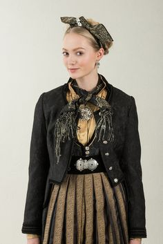 Jubileumdsdrakten festdrakt for dame – Eva Lie Design Crochet Top Outfit, Ethnic Dress, Costumes For Women, Printed Shirts, Urban, Stylish, Outfits, Fantasy Clothes, Instagram