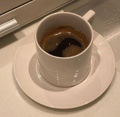 Coffee Cafe, Coffee Shop, Coffee Drinks, Aesthetic Coffee, Cravings, Nom Nom, Food Porn, Good Food, Food And Drink
