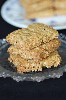 GALETTES À L'AVOINE DE LA NOUVELLE ÉCOSSE Biscuits, Oatmeal Recipes, Krispie Treats, Allergies, Cereal, Cookies, Breakfast, Desserts, Food