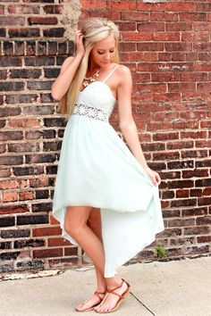 Cute hi low dress and love the middle