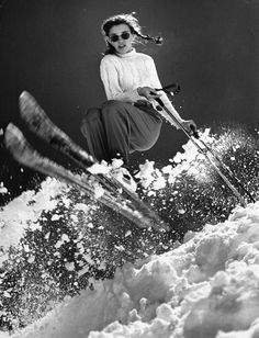 Skiing Images: The Swiss Alps & St. Welcome Winter! Future Olympic Gold medal winner Andrea Mead Lawrence, practicing for Winter Olympics at Sun Valley, Idaho, 1947 Ski Vintage, Vintage Ski Posters, Mode Vintage, Skiing Images, Mode Au Ski, Wilde Hilde, Apres Ski Party, Ski Bunnies, Welcome Winter