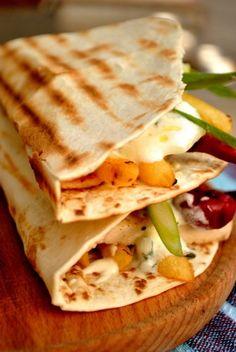 homemade tortilla 07 Tortilla Recipe, Homemade Tortillas, Bento, Yummy Food, Yummy Recipes, Sandwiches, Deserts, Tacos, Bread