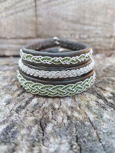 Auf dieser Seite findet Ihr eine Auswahl meiner saamischen Armbänder.