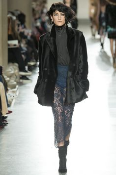 Topshop Unique Fall 2016 Ready-to-Wear Collection Photos - Vogue