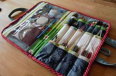 Pattern - Road Trip Case by Noodlehead, modified for knitting supplies Sewing Hacks, Sewing Tutorials, Sewing Projects, Knitting Needle Storage, Knitting Yarn, Simply Crochet, Home Sew, Knitting Supplies, Make Photo