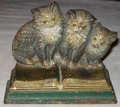 Antique cast iron doorstop, three kittens on an open book Vintage Iron, Vintage Cat, Looks Vintage, Vintage Items, Crazy Cat Lady, Crazy Cats, Cats Cast, Iron Art, Iron Doors