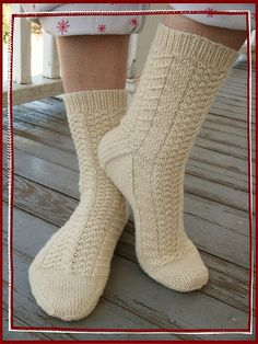 olympic socks 029 by gray la gran, via Flickr  Green Apple Newtons; free pattern