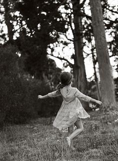 child photography, twirling, ©Misty Exnicios