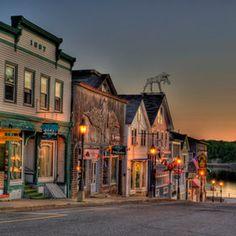 Bar Harbor. missing New England beach towns.     i love this place soooooooo much!!!!!!!