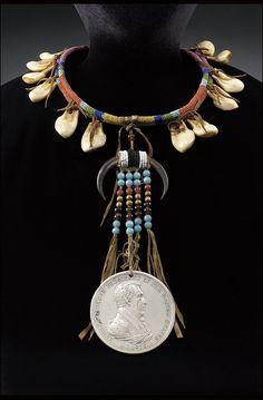 Ожерелье с медалью мира. Президент Andrew Jackson. Пикуни период 1829-1880.