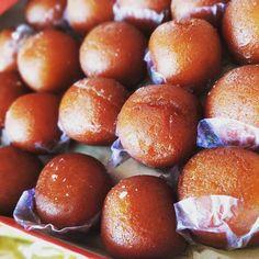 Say hello to Monday sweets .....  #foodi #hunger #foodhub #lunch  #wantmore #masti #delhiwale #sogood#tweet #masti #tweet #yummi #gulabjamun #cantbelieve