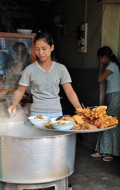 A vendor of Street Food: Yangon, Myanmar World Street Food, Street Food Market, Best Street Food, Laos, Burmese Food, Yangon, Food Truck, Wine Recipes, A Food