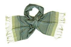 Zijden sjaal winnaar Unesco 2002