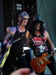 SLASH - Raggiunto sul palco da Duff McKagan (video) - MyDistortions.it
