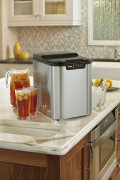 Cool down with a Danby ice maker #kitchen #summer #mydanby #drinks #kitchen #hosting #entertaining #appliance #home