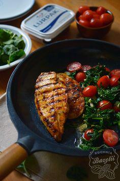 Miodowy kurczak ze szpinakiem i pomidorkami - 5 składników! Iron Pan, Grill Pan, Food Inspiration, Grilling, Kitchen, Cos, Diet, Griddle Pan, Cooking