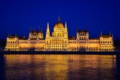 https://flic.kr/p/CHzsnW | Hungarian parliament at blue hour, last night of the year! | Budapest, hungary