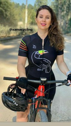 Bmx, Plus Size Posing, Female Cyclist, Yoga Pants Girls, Cycling Girls, Divas, Bicycle Girl, Biker Girl, Triathlon