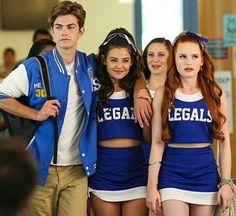 Cheryl Blossom Riverdale, Riverdale Cheryl, Danielle Campbell, Movie Co, Davina Claire, Famous In Love, Festival Costumes, Madelaine Petsch, Moda Chic