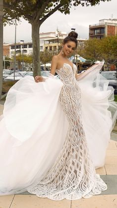 tina valerdi wedding dresses mermaid tulle heart-shaped with stunning details . - tina valerdi wedding dresses mermaid tulle heart-shaped with stunning details … dresses Source by - Popular Wedding Dresses, Princess Wedding Dresses, Dream Wedding Dresses, Bridal Dresses, Bridesmaid Dresses, Maxi Dresses, Stunning Wedding Dresses, 2 In 1 Wedding Dress, Event Dresses