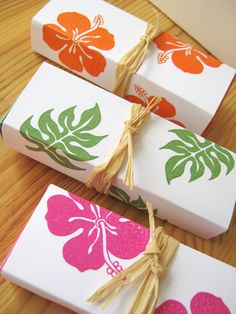 Tropical Hibiscus Island Style Wedding Favor Boxes, Hawaii Wedding Favor. $30.00, via Etsy.