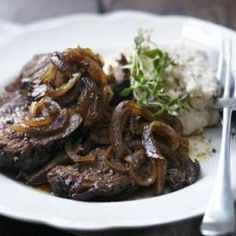 Slow cooker beef brisket with cannellini bean mash from BBC, found @Edamam!