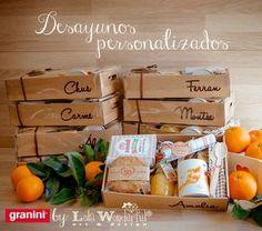 Snack Box, Lunch Box, Lola Wonderful, Breakfast Basket, Food Packaging, Packaging Ideas, Food Gifts, Coffee Break, Gift Baskets