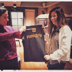 Sara hace entrega de su camiseta yuniqtrip a Elena! Este mes actividad gratisdate de alta ya en http://ift.tt/1PlYluy #compartir #disfruta #artesanal #actividades #viajar #viajes #visitspain #visitandomadrid #experiencia #experiencias #enjoymadrid #españa #madridantiguo #madrid #actividades #yuniqtrip.com #diversion #quehacer #quehacerenespaña #quehacerenmadrid