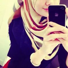 Beautiful Profile Pictures, Profile Picture For Girls, Profile Pics, Beautiful Muslim Women, Beautiful Hijab, Beautiful Hands, Hijabi Girl, Girl Hijab, Stylish Girls Photos