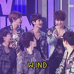 Sehun asking for wind and everyone does it for him. xD. Chanyeol couldn't even take it and had to laugh. Seriousness is not his forte