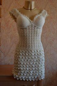 Lindo vestido de crochê com bojo em espuma nas taças - gráficos abaixo