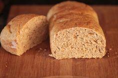 Aqui na cozinha do Mel e Pimenta os pães nunca estiveram tão presentes como agora, tenho gostado muito de fazer pães em casa, sem contar que o sabor é completamente diferente. Além disso, só na nossa casa podemos saber exatamente...