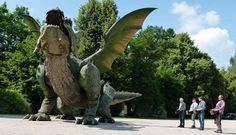The World's Largest Walking Robot Is A Giant Dragon