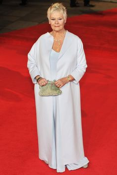 Fashion Over 60: Judi Dench (age 77) glowed in Lindy Hemming dress at World Premiere of 'Skyfall' in London 2012