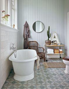 Charmigt och romantiskt – det lantliga badrummet är en dröm