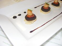 Scallop and Blackpudding Canape Black Pudding, Catering Food, Pudding Recipes, Panna Cotta, Foods, Meals, Cake, Ethnic Recipes, Desserts